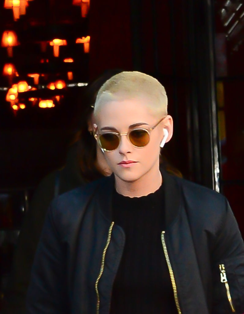 Kristen Stewart Just Made Airpods The Coolest Accessory Of