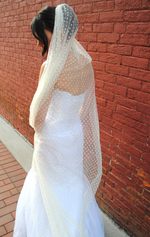 17 Unconventional Wedding Veils For The Bride Who Wants To Stand Out