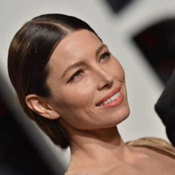 Jessica Biel is rocking straight-out-of-the-'80s hair in this pic, and we are feeling her retro style