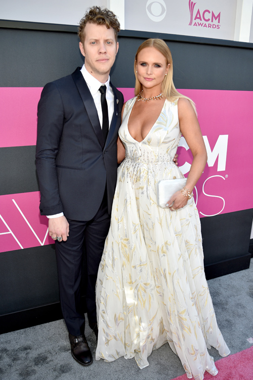 Miranda Lambert S Red Carpet Look At The Acm Awards Is