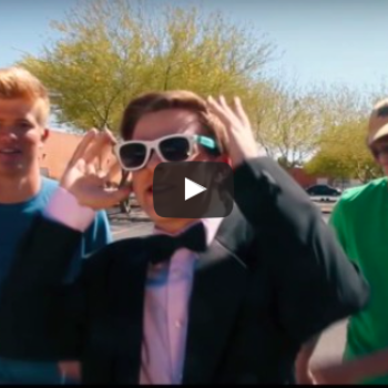 """This teen made a legit """"La La Land"""" parody to ask Emma Stone to go to prom with him"""