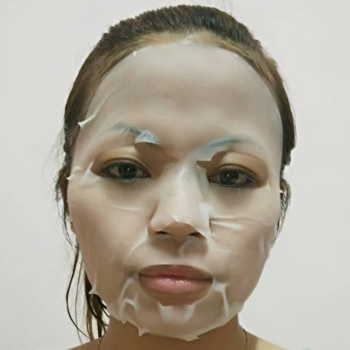 Here's a genius way to pass the time while waiting for your sheet mask to do its thing on your face, because we know you get bored