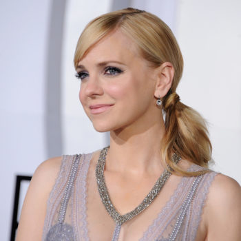 If we could pick the next Disney Princess, it'd be Anna Faris walking the red carpet in this pink dress
