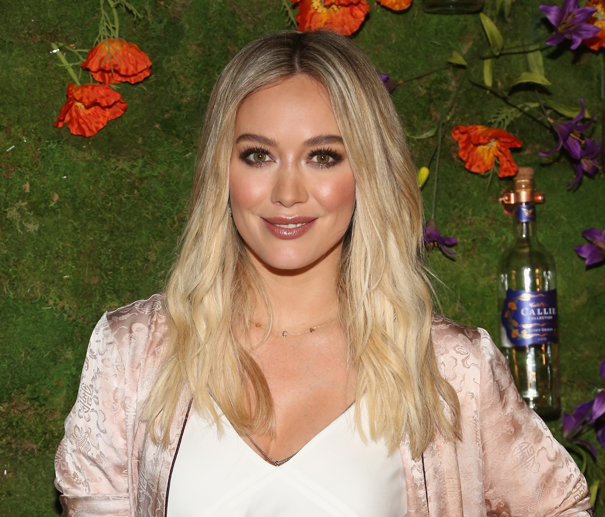 Hilary Duff S Outfit Totally Transformed Her Into Quot Legally