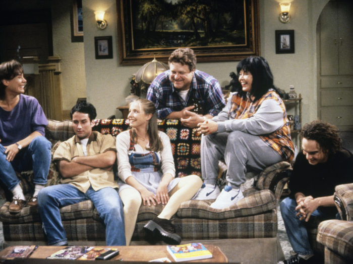 'Roseanne' revival! Cast members share a laugh in behind-the-scenes photo