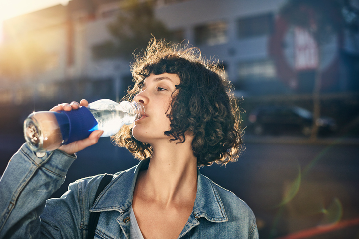 8 concerning things that happen to your body if you're constantly dehydrated