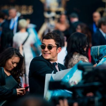 """Orlando Bloom made his grand """"Pirates"""" re-entrance at the """"Dead Men Tell No Tales"""" premiere in Shanghai"""