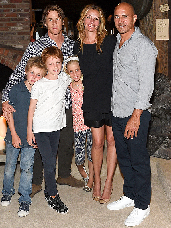 "Julia Roberts's kids found out she was ""People's"" Most Beautiful Woman from the school library"