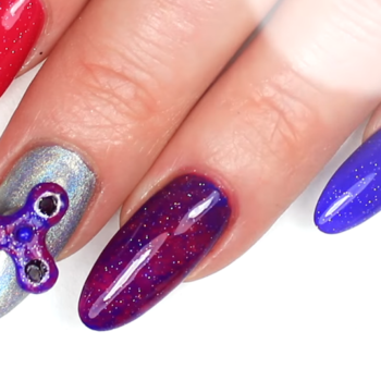 This woman took the fidget spinner craze to the next level by putting one on her nail