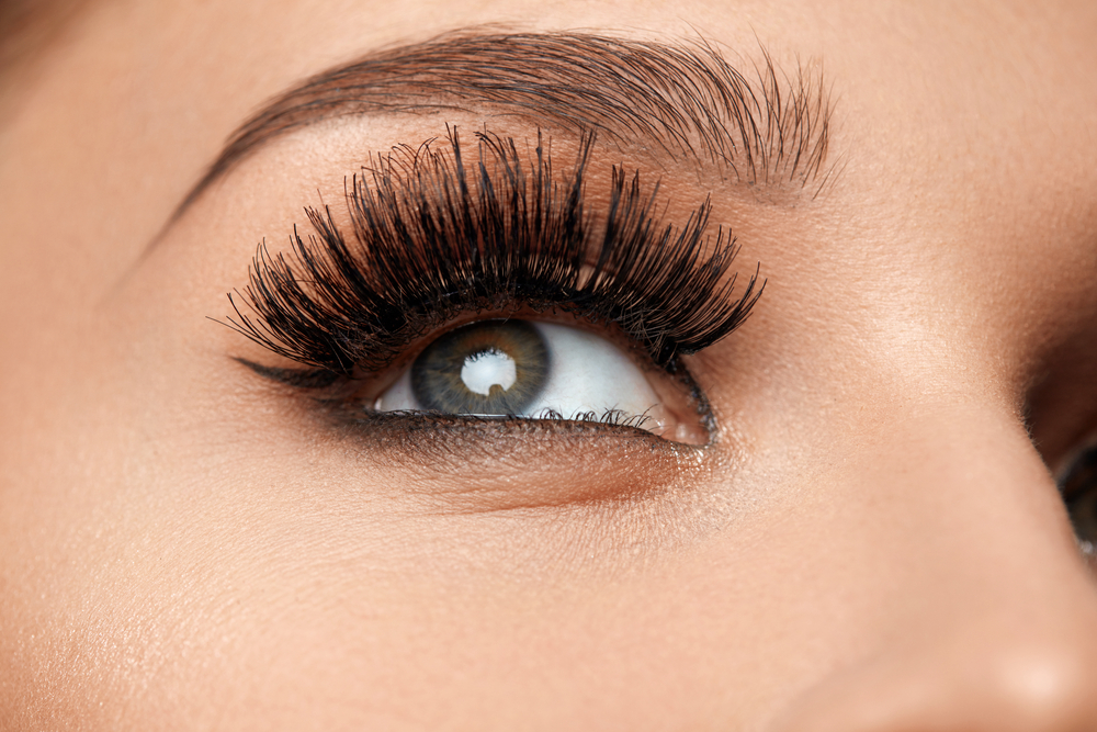 Light Up Led Lashes Are Here And They Are Dazzling