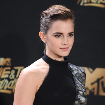 This woman is Emma Watson's doppelgänger, and she dresses like her too