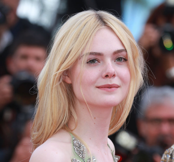"Elle Fanning now has candy-pink ""Princess Bubblegum"" hair"
