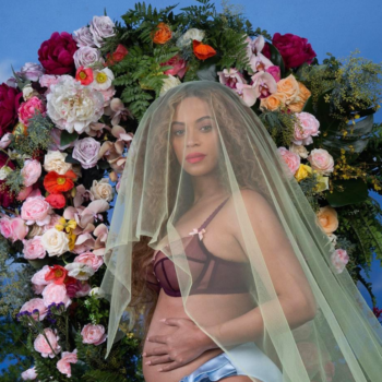 """Beyoncé's babies may still be in the hospital because of a """"minor issue"""""""