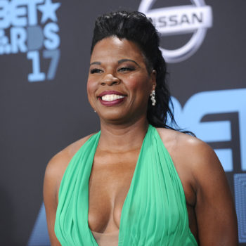 """Leslie Jones tweeted about her """"terrible luck"""" with guys, and it's relatable AF"""