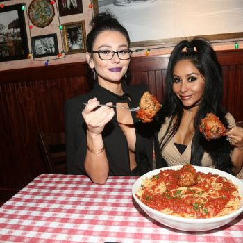 """Snooki and JWoww from """"Jersey Shore"""" are developing a talk show"""