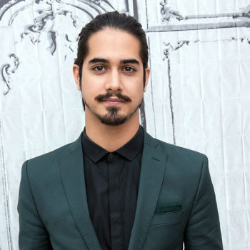 Avan Jogia has reportedly auditioned to play Aladdin, and these videos of him singing confirm he would be fantastic