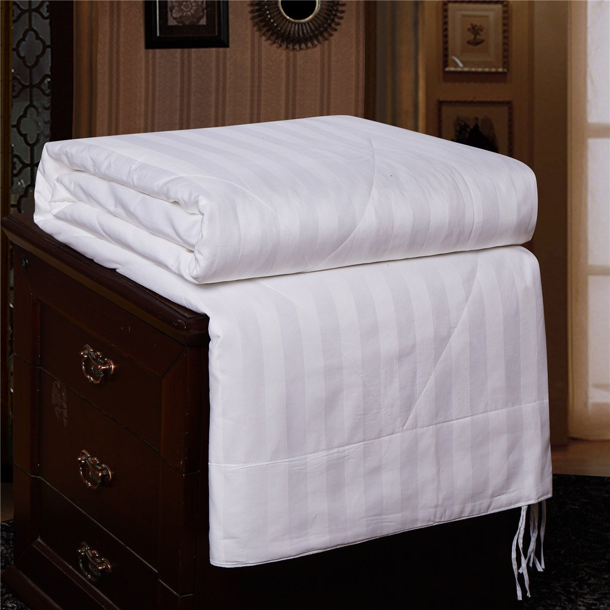 7 summer blankets and sheets that will keep you cool but comfy. Black Bedroom Furniture Sets. Home Design Ideas