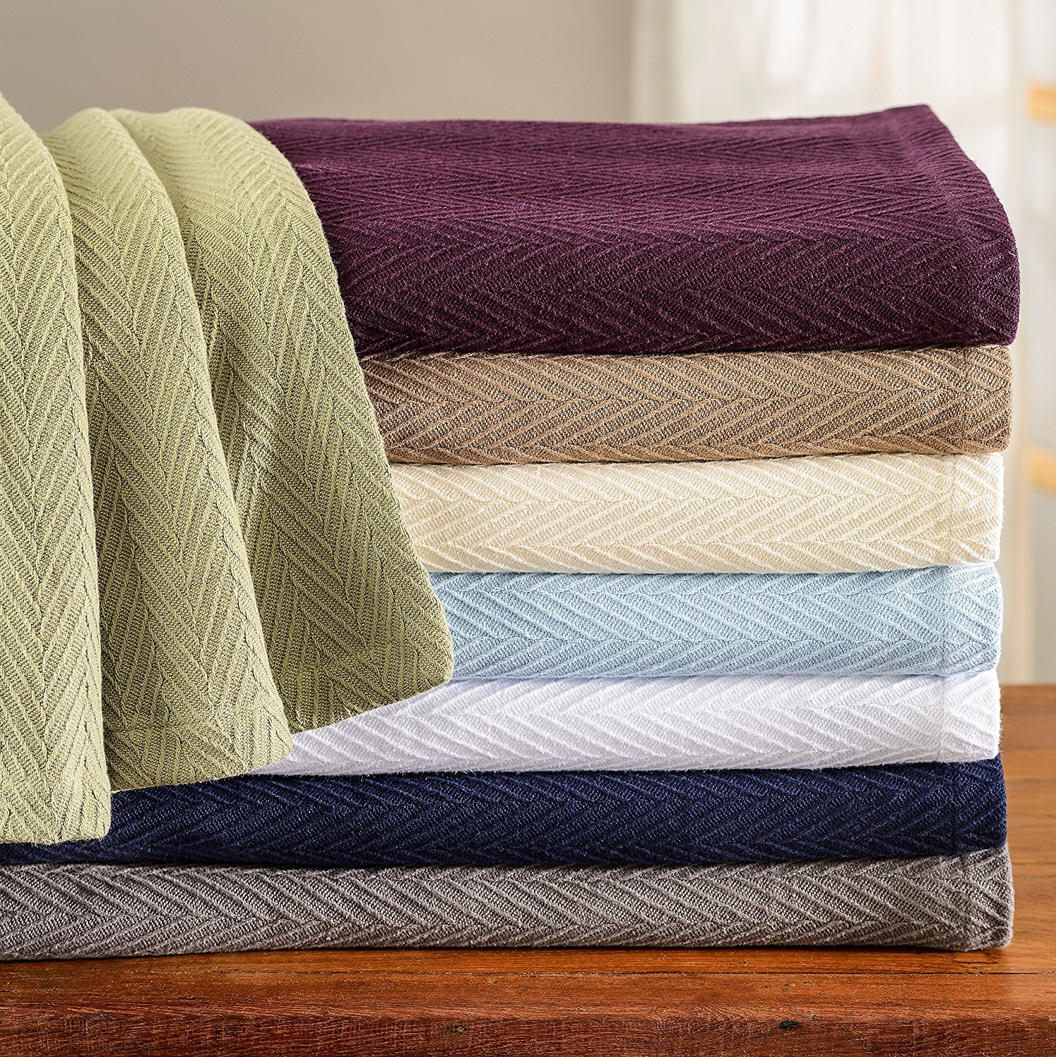 7 Summer Blankets And Sheets That Will Keep You Cool But Comfy