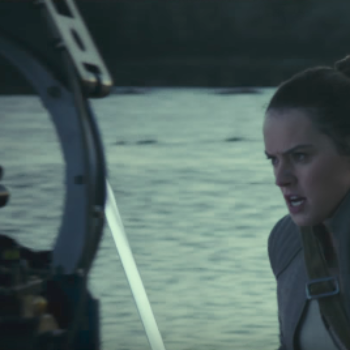 "5 moments that made us insanely worried for Rey in this ""Star Wars: The Last Jedi"" behind-the-scenes footage"