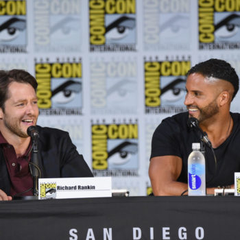 """""""American Gods"""" actor Ricky Whittle made a BFF at Comic-Con, and the photos will make you squeal with delight"""