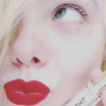Attn: lipstick lovers, L'Oréal Paris wants to see your bold lip selfies