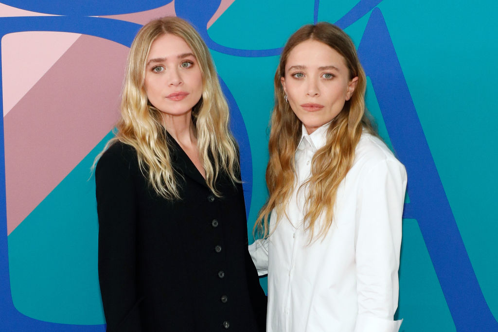 Mary Kate Olsen Queen Of Goth Chic Stepped Out Smiling