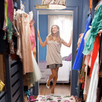 4 ways to make money off your old clothes
