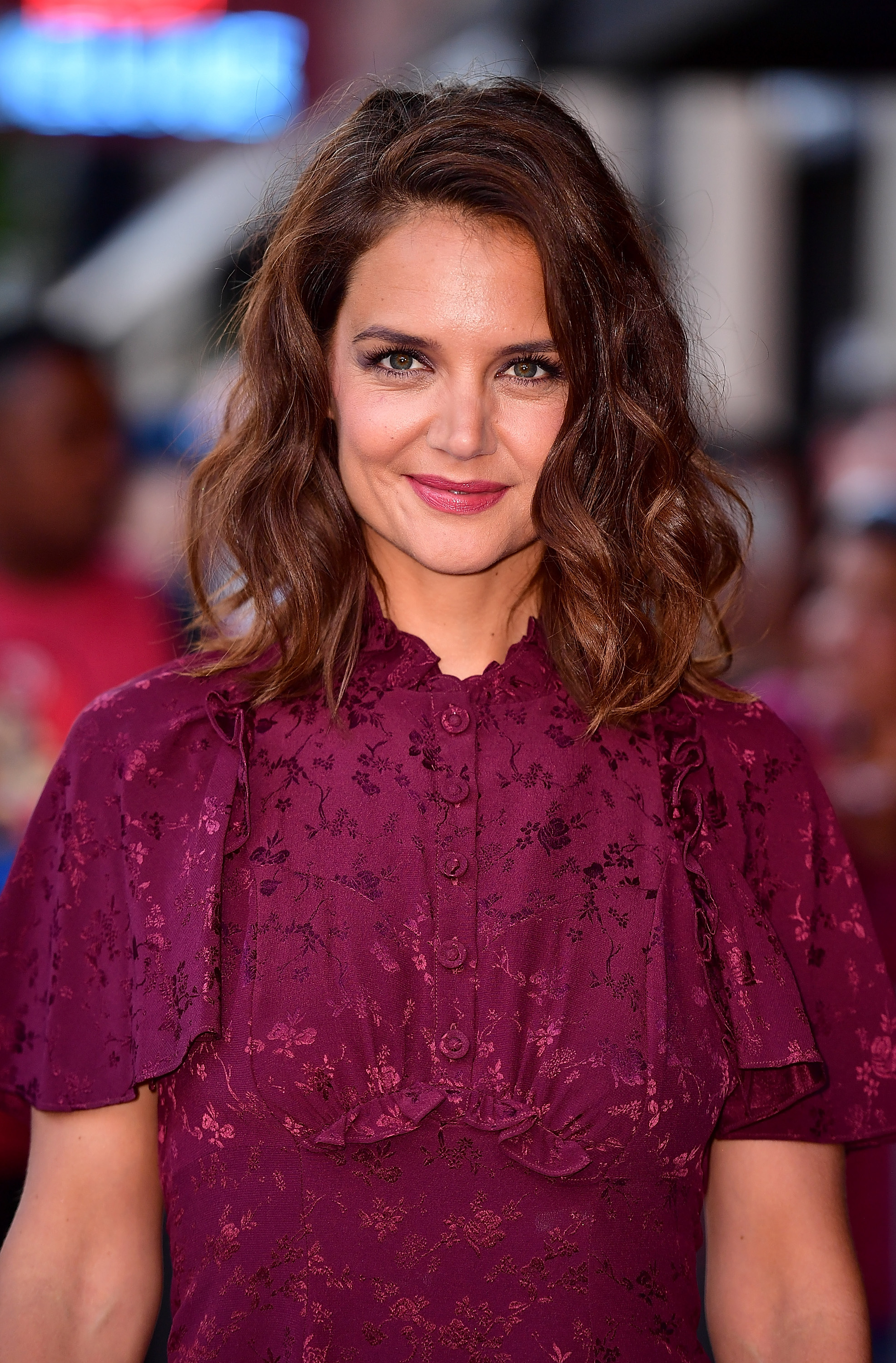 Katie Holmes' tousled waves and plum lip look is THE ...