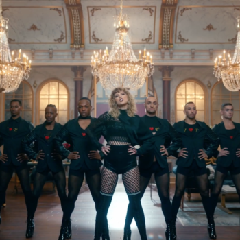 "Taylor Swift fans think the eight backup dancers in ""Look What You Made Me Do"" are symbolic"