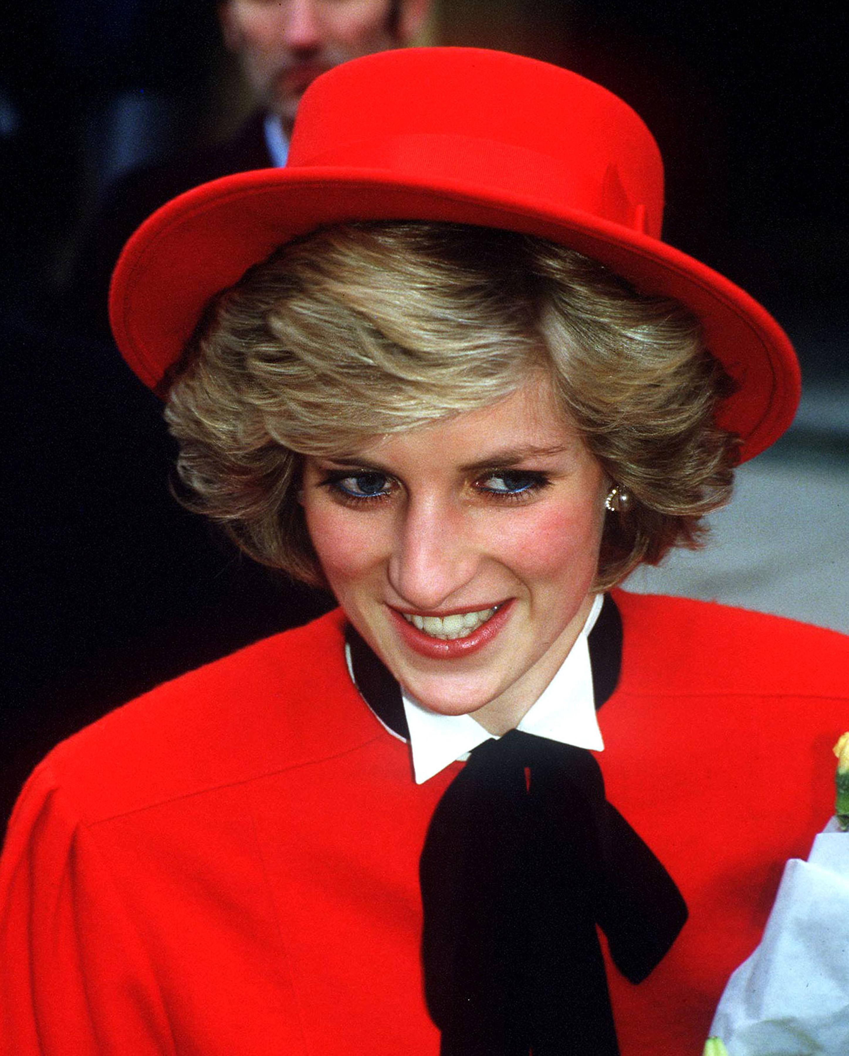 Princess Diana stopped wearing her signature blue eyeliner ...