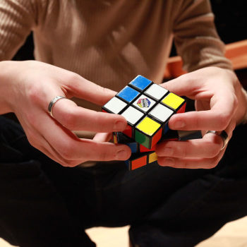 This guy just beat the Rubik's Cube world record, and it's almost too fast to see