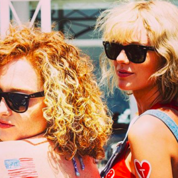 A funny clip of Taylor Swift roasting her BFF at her wedding has surfaced online