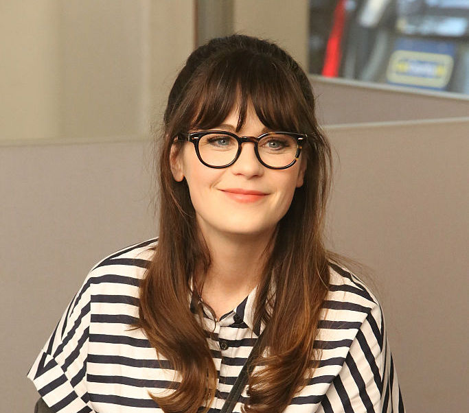 15 Celebrities Who Wear Glasses And Look Amazing While