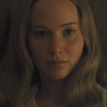 """Jennifer Lawrence apparently tore her diaphragm while filming """"mother!"""""""
