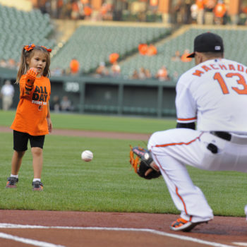 Major League Baseball teams are coming through for a little girl who wants to throw out the first pitch with her 3D-printed hand