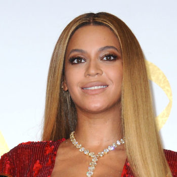 Beyoncé invented a baseball cap you can wear with curly hair, and Twitter is freaking out