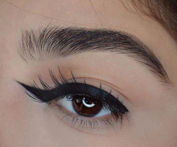 Reverse Winged Liner Is The Newest Makeup Trend You Ll Be