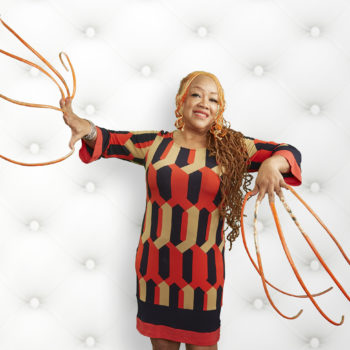 This woman has the longest nails in the world, and she's been growing them for over 23 years