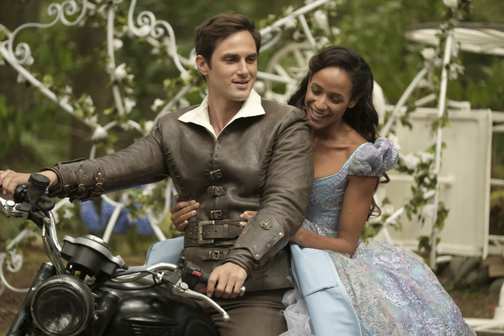 "Attention, ""Once Upon a Time"" fans — here's the deal with the curse in Season 7"