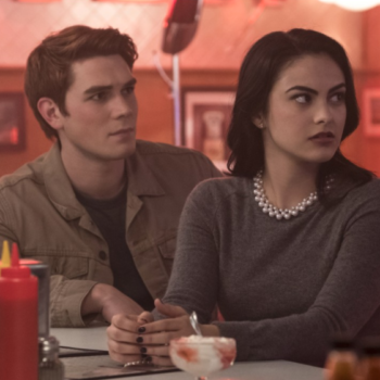 "This is why some ""Riverdale"" fans are convinced KJ Apa and Camila Mendes are dating IRL"