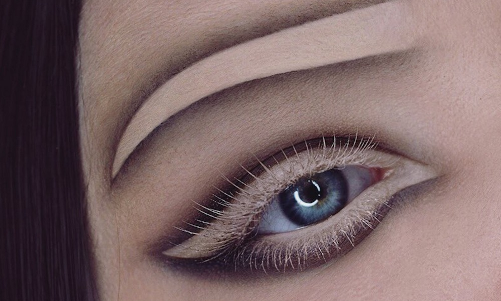 "This ""negative space"" eyebrow makeup will make you do a double take"