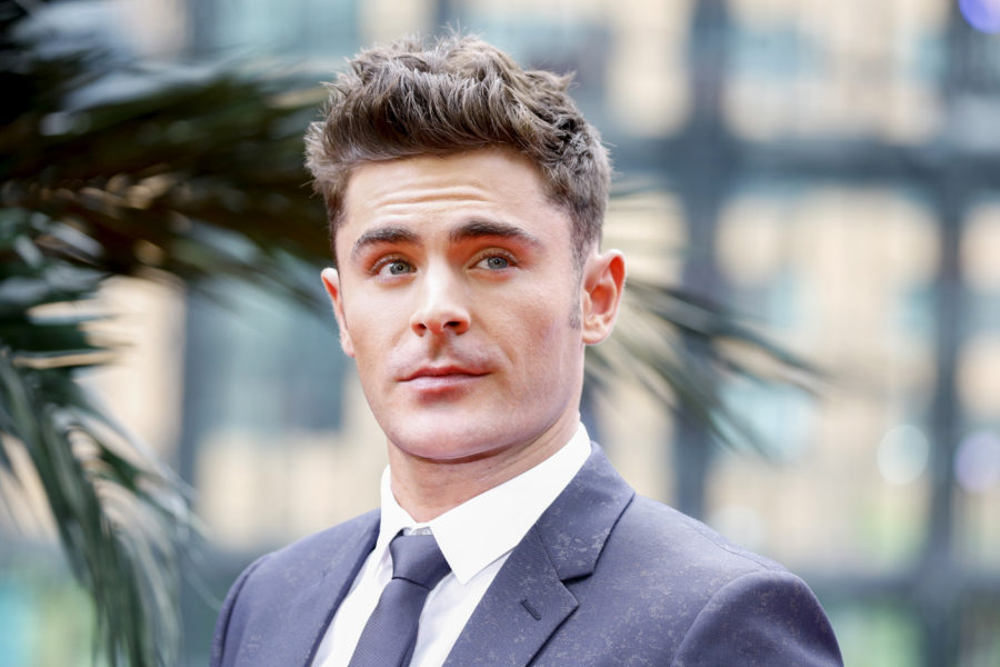 Zac Efron has an incredibly attractive younger brother, and yes, we have pictures
