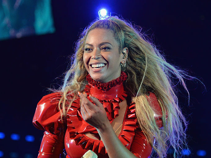Beyoncé's red-hot dress looks like it was once an athlete's tracksuit