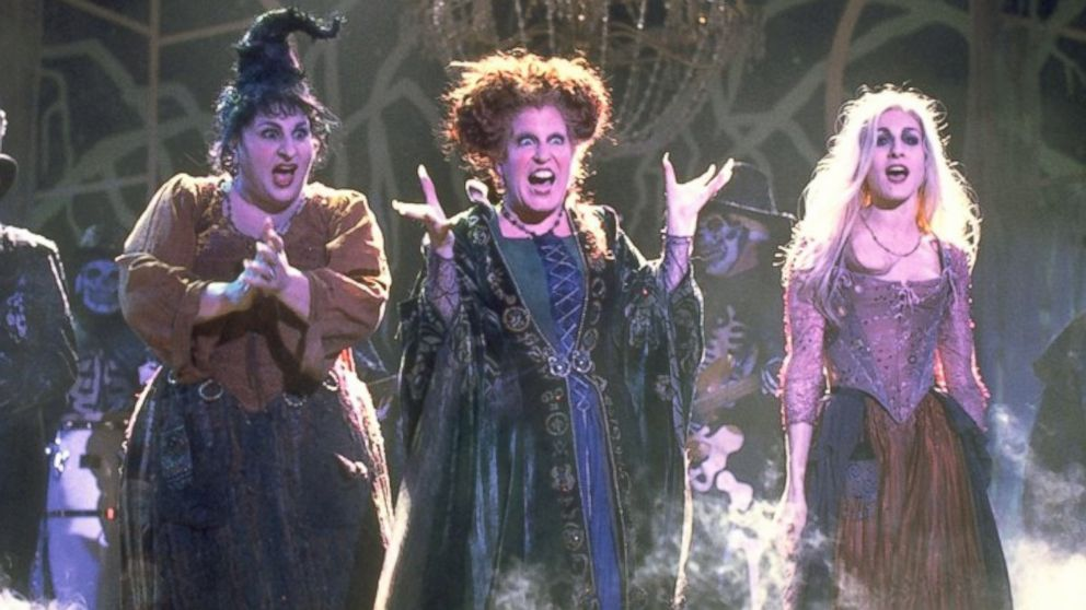 7 differences between loving Halloween and being actually obsessed with it