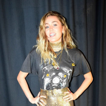 "Miley Cyrus sang ""The Climb"" for the first time in six years, and we need this"