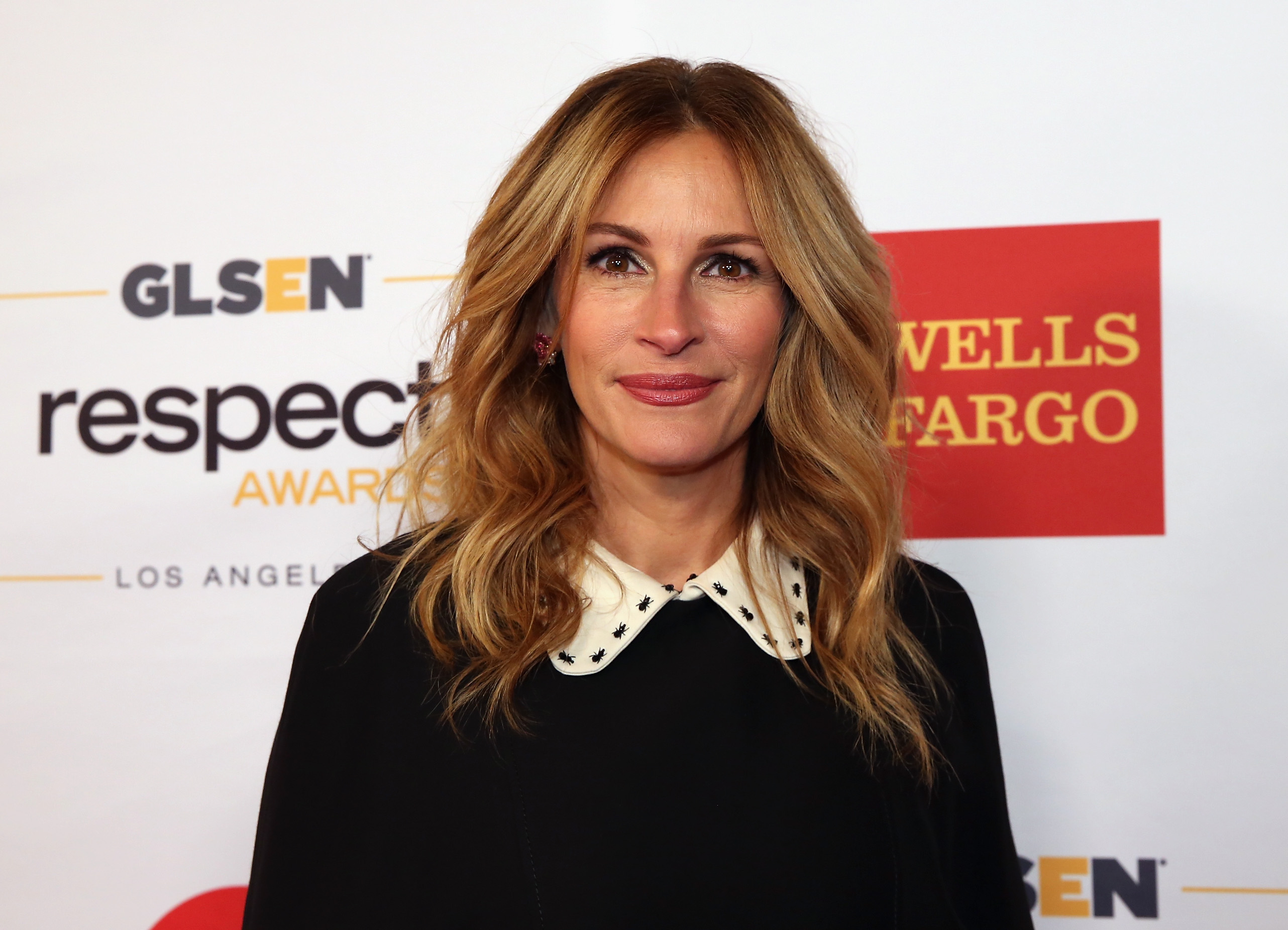 Queen Julia Roberts reenacted her entire film career in under 10 minutes