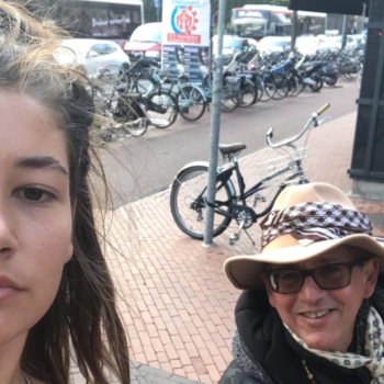 This woman is taking selfies with every man who catcalls her