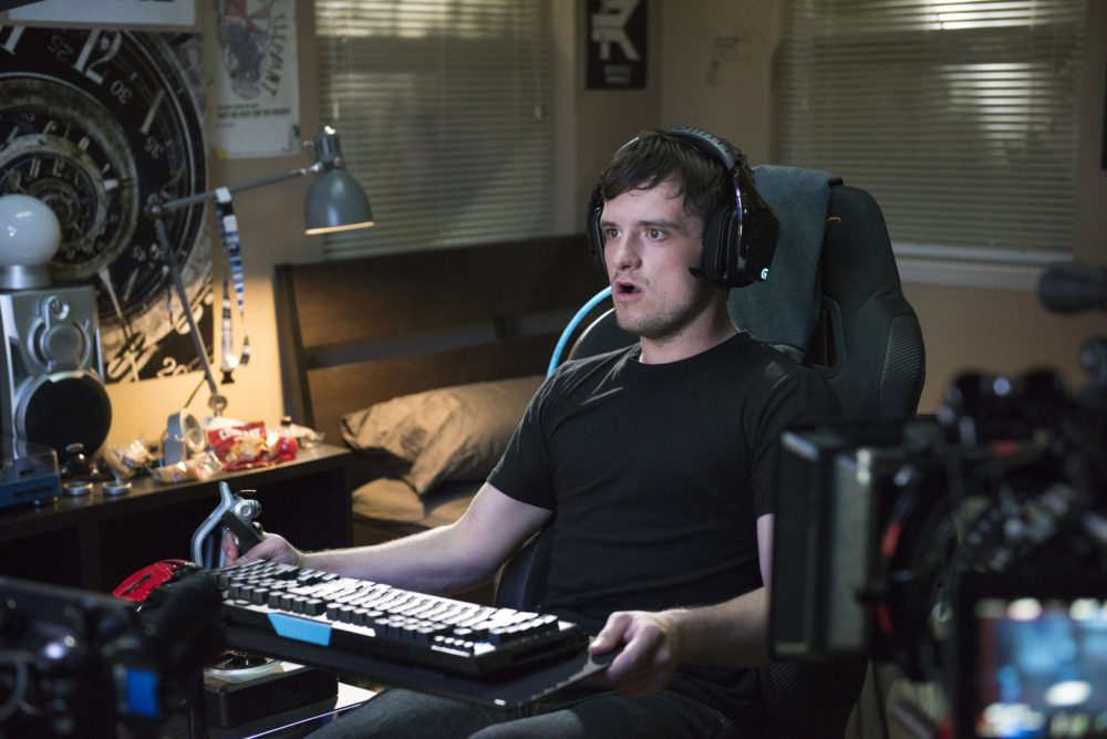 "Josh Hutcherson saves the world with his mad video game skills in the first ""Future Man"" trailer"