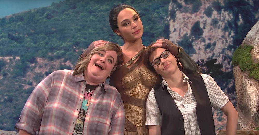 "Gal Gadot and Kate McKinnon made out on ""Saturday Night Live"" and the Internet basically lost it"