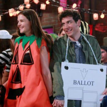 7 Halloween costumes for lazy couples who are a hot mess but still want to do something